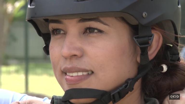 Mujer de 24 años será la primera fémina paracaidista de los desfiles del 15