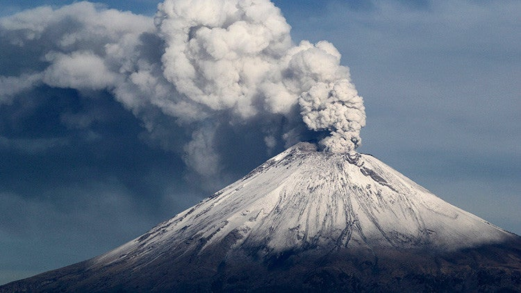 ¿Fin del mundo? Volcán Popocatépetl hace erupción tras sismo en México