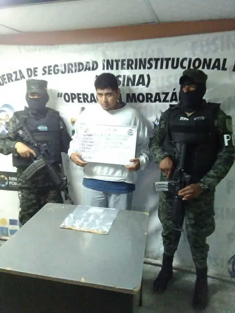 Tegucigalpa: Capturan a un sujeto con 13 bolsas de supuesta cocaína