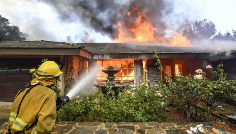 11 muertos y miles de evacuados por incendios en California