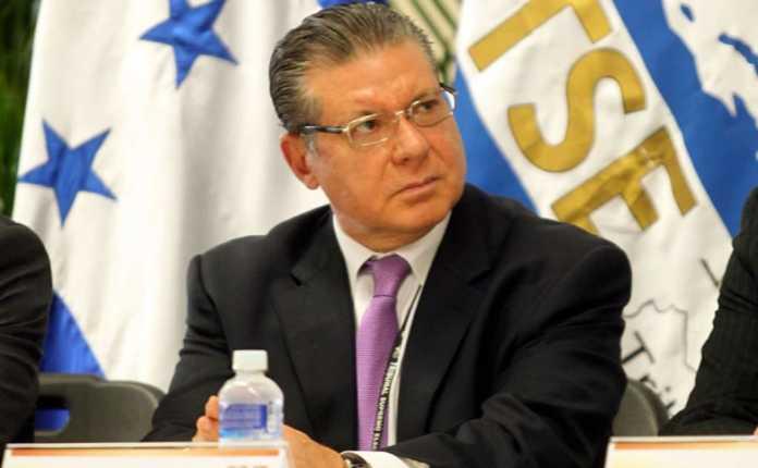 El magistrado presidente del TSE, David Matamoros Batson, anunció que la impresión de papeletas electorales avanza de manera satisfactoria.