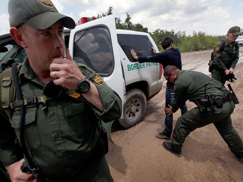 Autoridades migratorias de Estados Unidos capturaron a un
