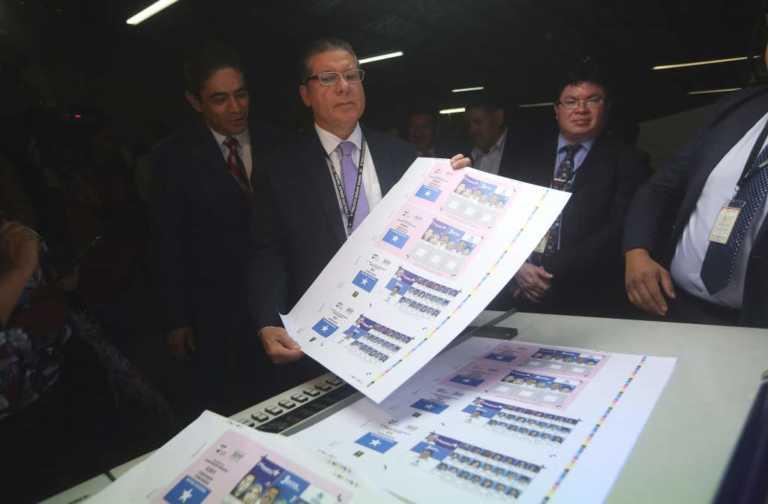 TSE inicia con la impresión de más de 18 millones de papeletas electorales