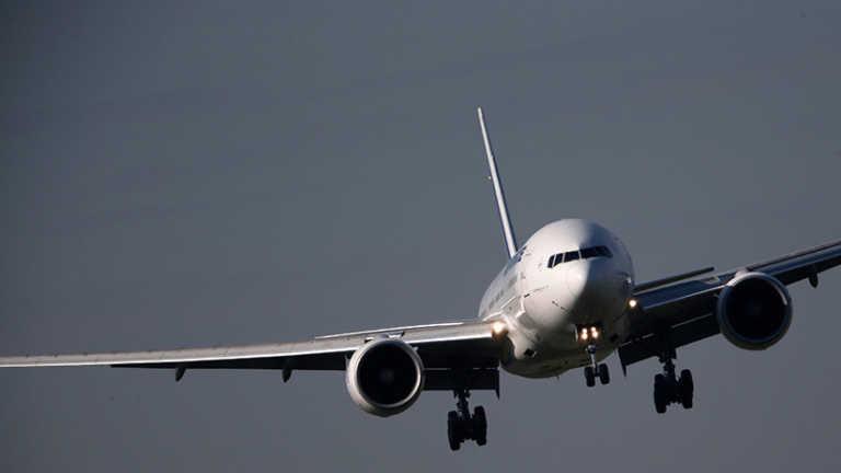 VIDEO: Avión tripulado es alcanzado por un rayo en pleno vuelo