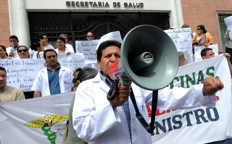 crisis entre gobierno y médicos hondureños