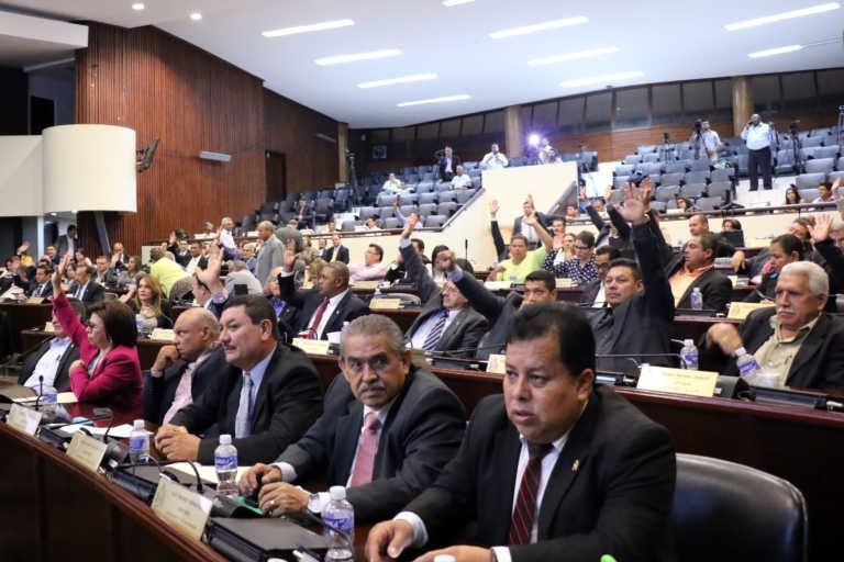 Informe: Sólo 42 diputados asistieron al 80% de las sesiones en el CN