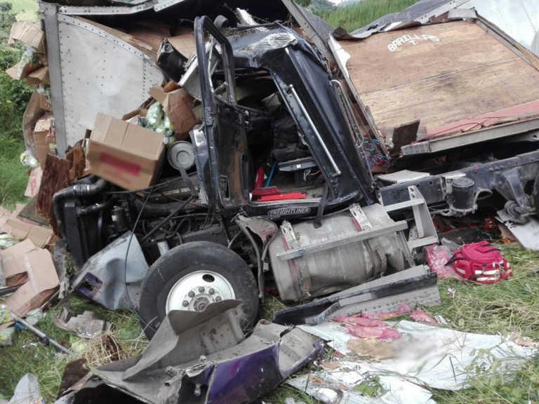 Conductor de rastra salvadoreño muere accidentado en Copán