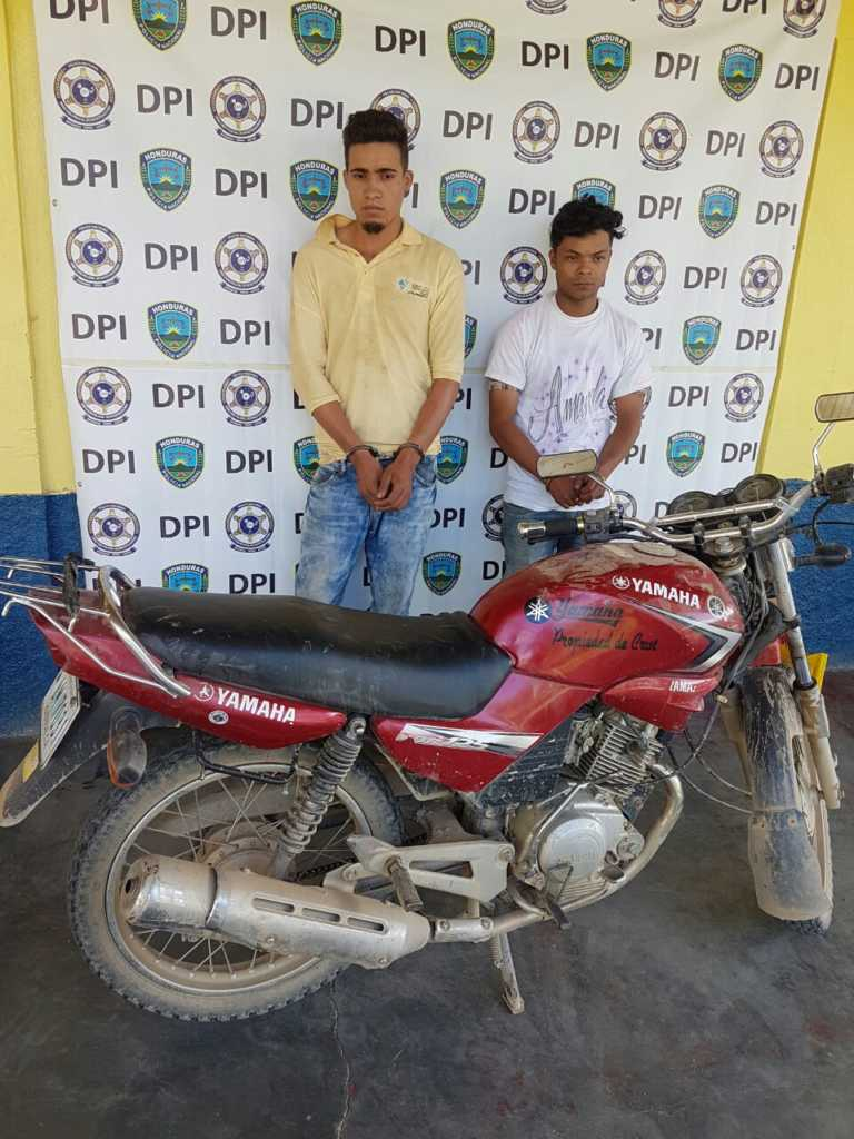 Efectivos de la Policía en Talanga capturan supuestos roba-motos