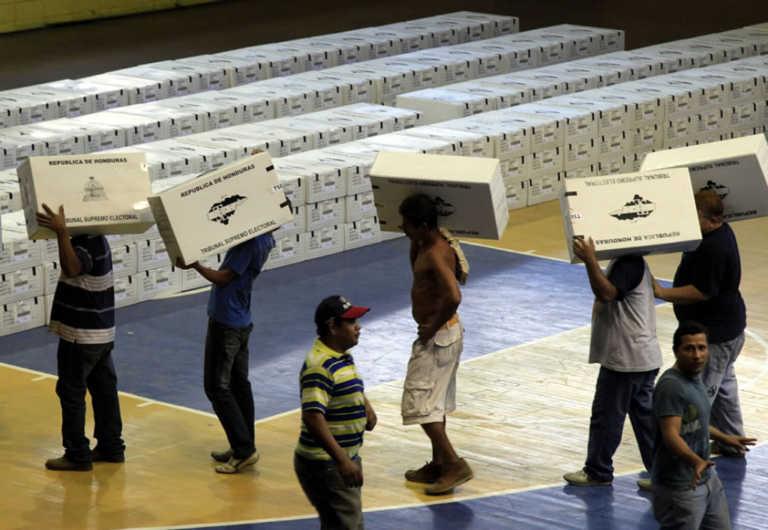 TSE asegura tener listo un 90% de las maletas electorales