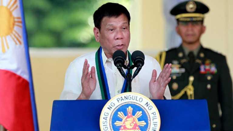 Presidente de Filipinas exterminará guerrillas si no entregan armas