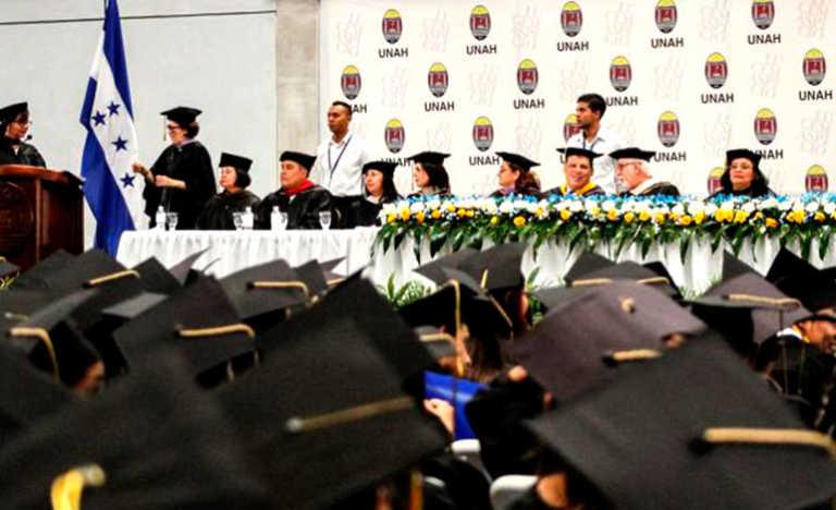 Graduaciones se programan para el martes 12 de diciembre por conflictos
