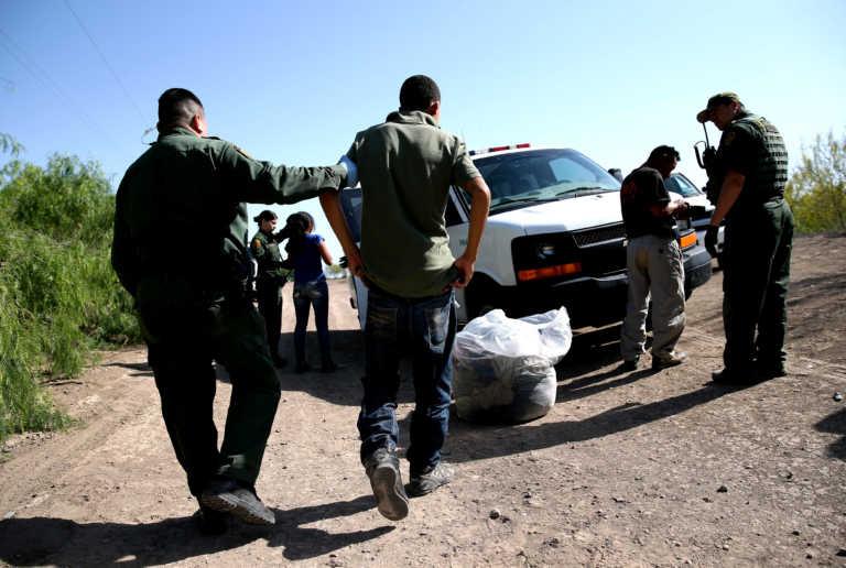 """El programa de """"persecución militar"""" que criminaliza a indocumentados"""
