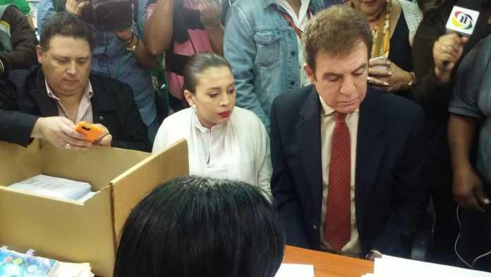 Alianza de Oposición pide al TSE anular escrutinio