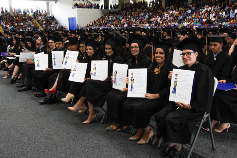 Graduaciones en la UNAH serán hasta el 2018 debido a crisis política