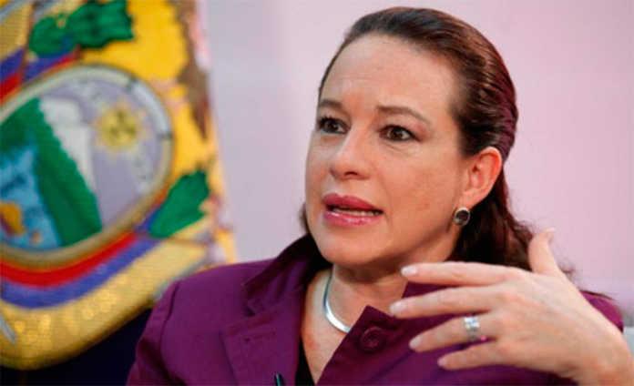 María Fernanda Espinosa