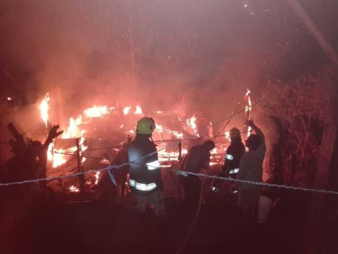 casa quemada en Colonia Villanueva
