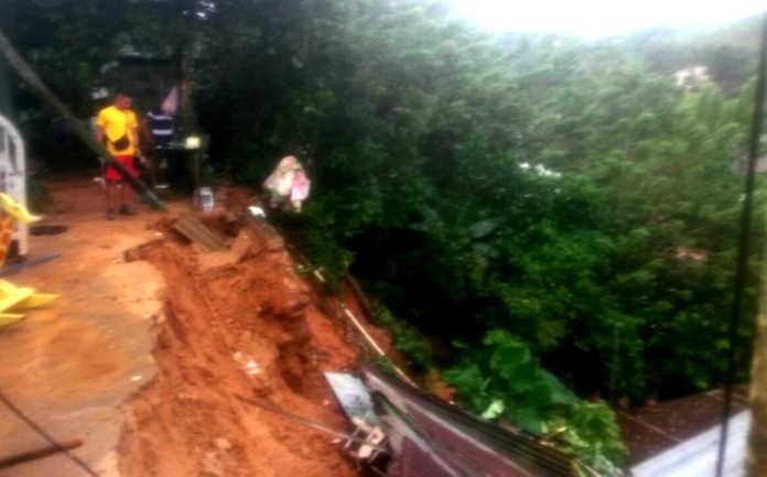 derrumbes, inundaciones y heridos