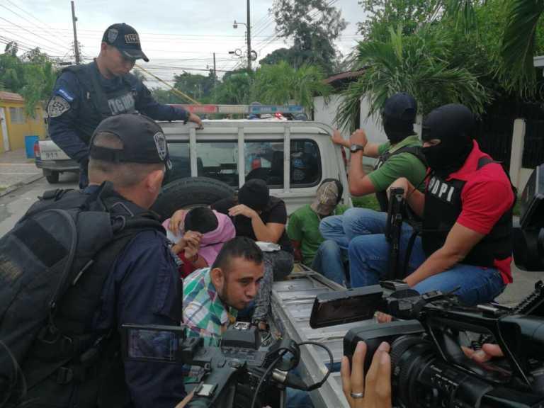 Capturan a cinco presuntos pandilleros en la Colonia Ideal