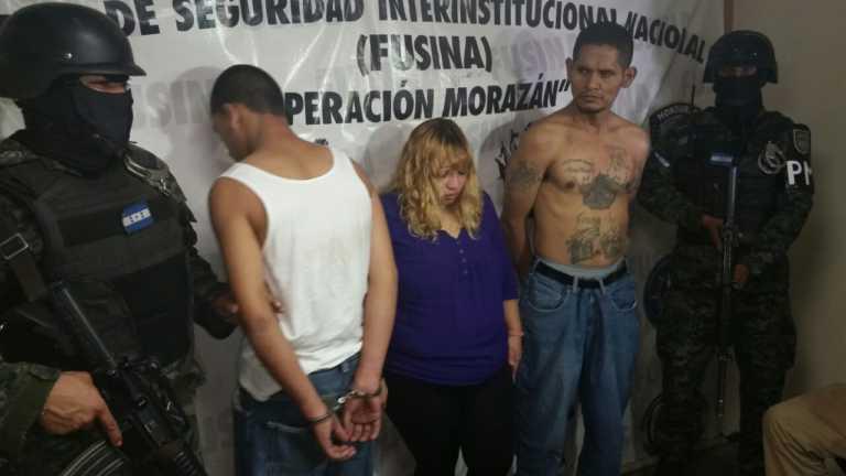 Tegucigalpa: Caen tres supuestos pandilleros con drogas y armas