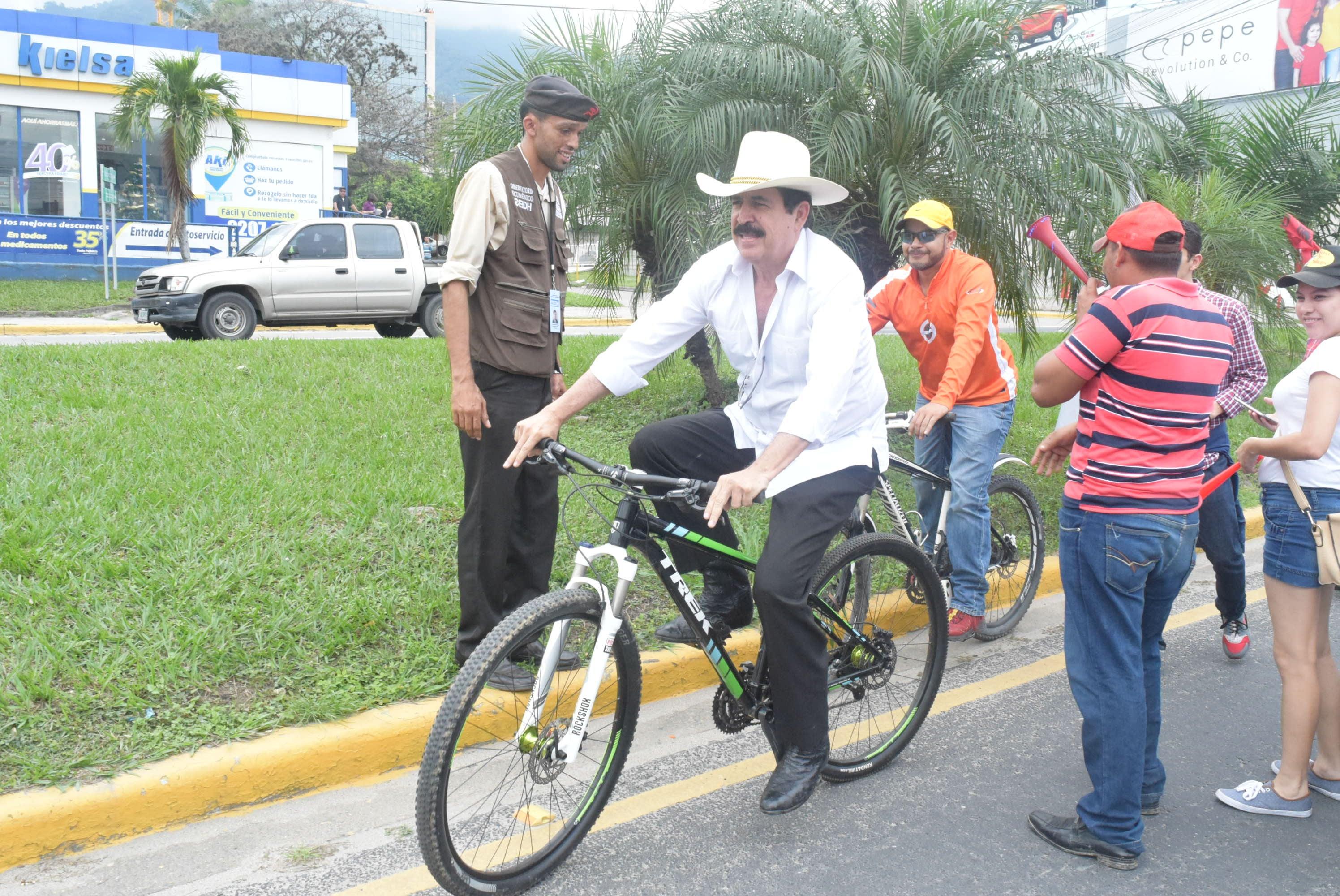 Mel en biciclata