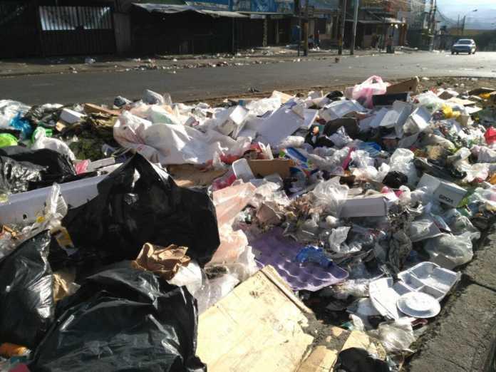 Toneladas de basura en la capital