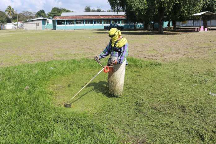 operativos de limpieza en escuelas