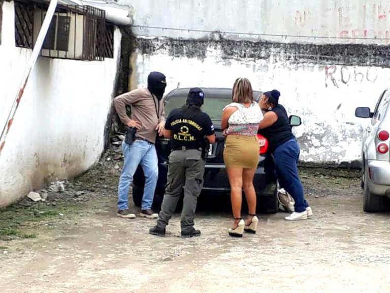 Mujeres son capturadas mientras vendían droga «crispy» en SPS