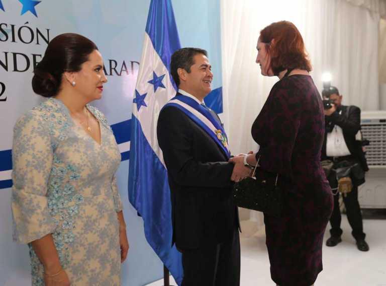138 delegaciones felicitaron a Hernández tras su toma de posesión