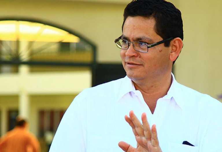Marlon Escoto anuncia que regresa como rector de la UNA
