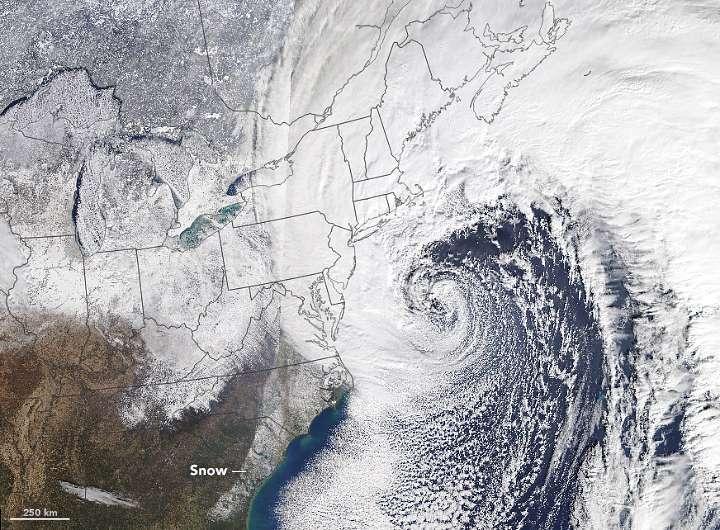 """Impresionantes imágenes y cifras del """"ciclón bomba"""" en EEUU"""