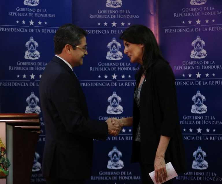 Embajadora de EE.UU. felicita a Hernández por su apoyo a la democracia en Venezuela