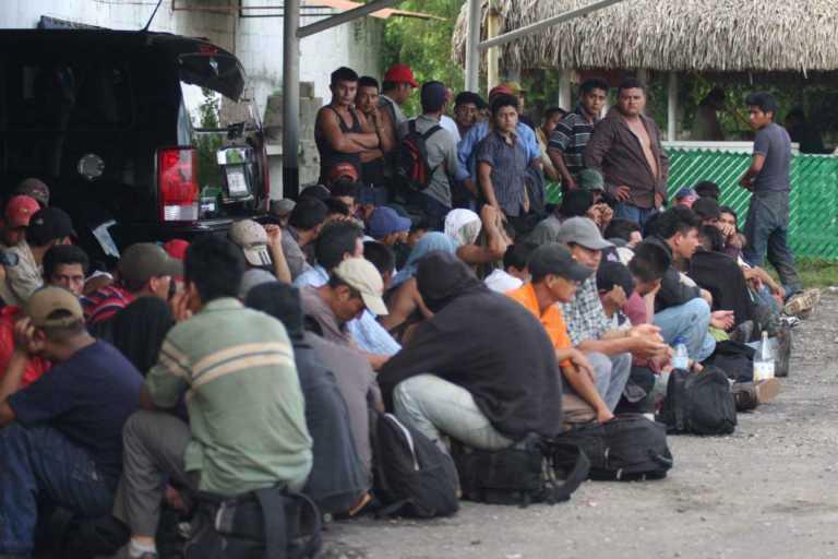 México: Rescatan a 103 migrantes hondureños en riesgo