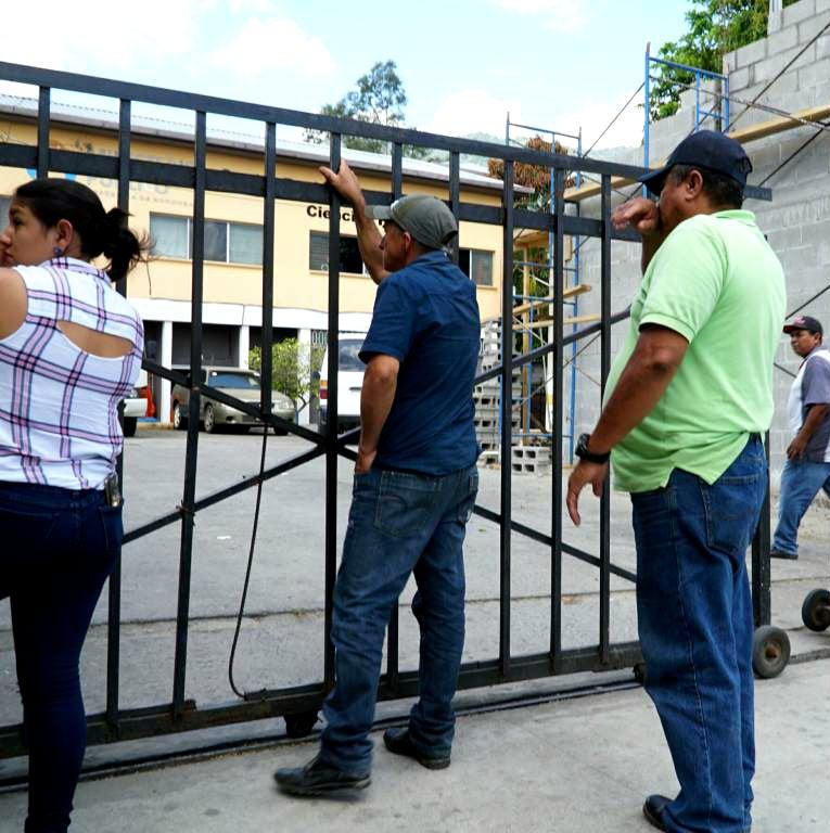 Universitario sale de casa por trabajo y lo hallan estrangulado en Ticamaya