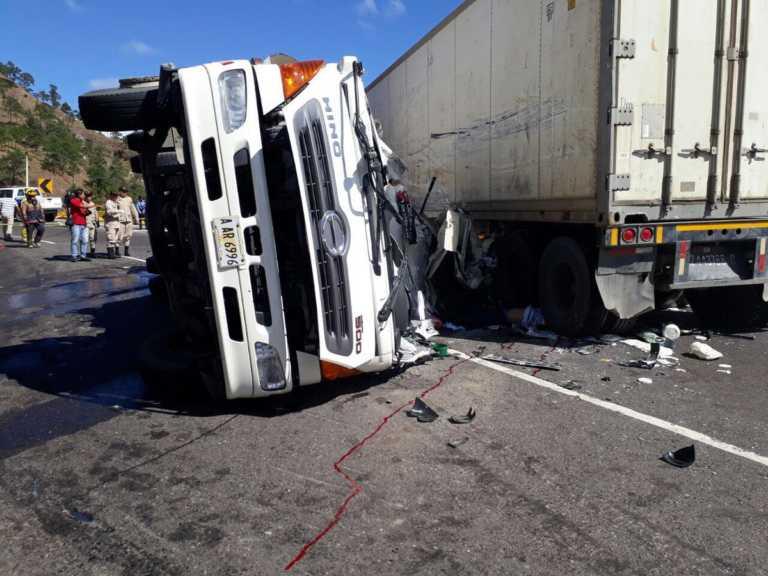 Comayagua: Fatal accidente deja dos muertos y tres heridos