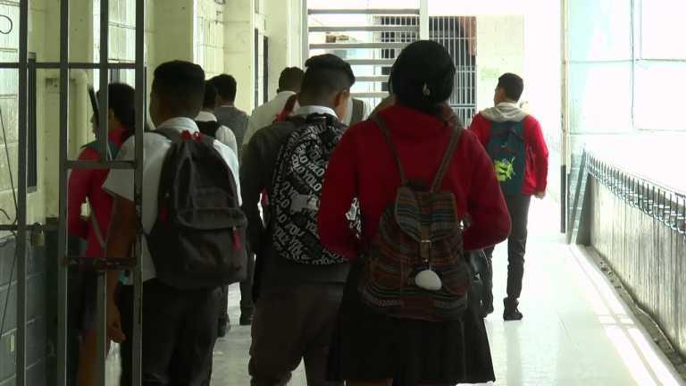 Honduras: más de 180 mil alumnos en riesgo por inseguridad