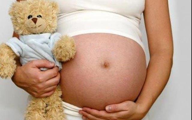 España: Hermano de 14 años dejó embarazada a niña de 11