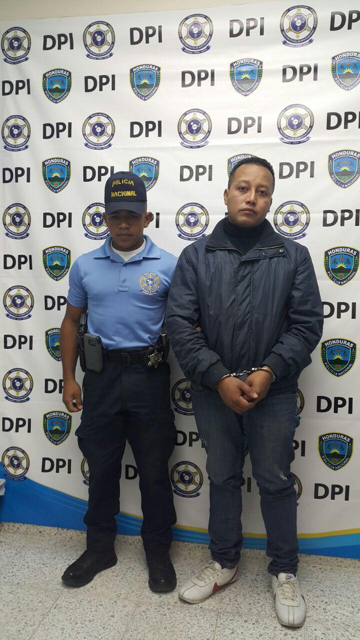 Capturan a un hondureño en el aeropuerto Ramón Villeda Morales