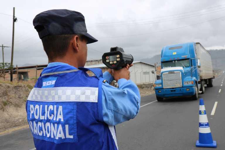Hondureños no pueden conducir a más de 80 k/h en Semana Santa