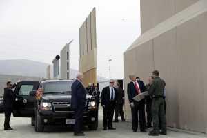 Donald Trump escoge el diseño del muro fronterizo con México