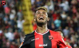 Alex López se estrenó como goleador en la Liga Deportiva Alajuelense
