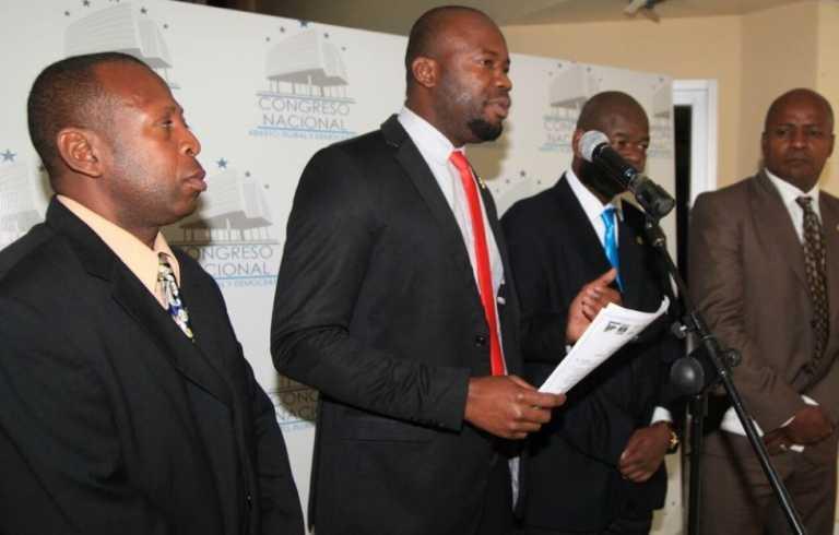 Comunidad Garifuna presenta Copa Numada ante el Congreso Nacional y Fenafuth