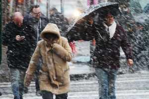 Nueva York se alista para la tormenta de nieve de esta noche