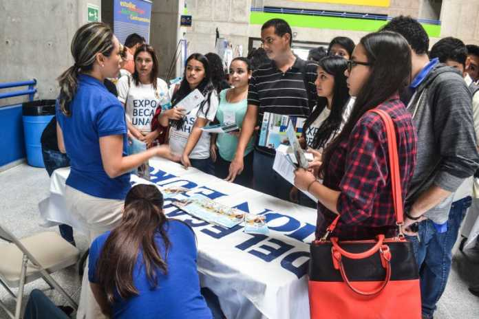 UNAH: Realizará feria de empleo en Cortés para ex alumnos del Alma Máter