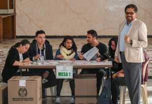 Colombia: Jornada electoral para renovar Congreso; debut político de las FARC