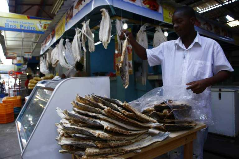 Se reporta alta demanda de pescado seco en mercados de Tegucigalpa