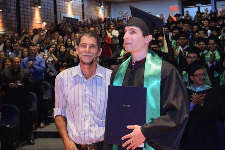 Se gradúa el primer ingeniero no vidente en Costa Rica