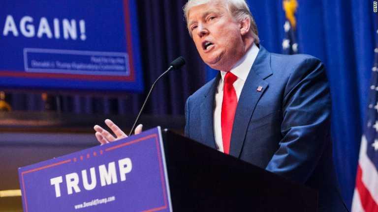 Donald Trump publica imágenes falsas del muro fronterizo con México