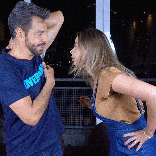 Eugenio Derbez y Lipstickfables juntos en divertido vídeo