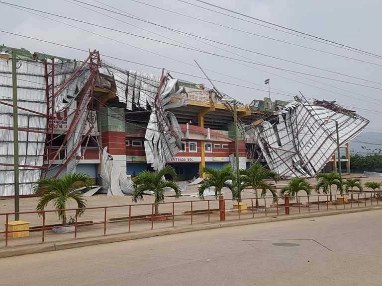 ¡Tormentoso! Así quedó de devastado el estadio Juan Ramón Brevé de Juticalpa tras fuerte lluvia