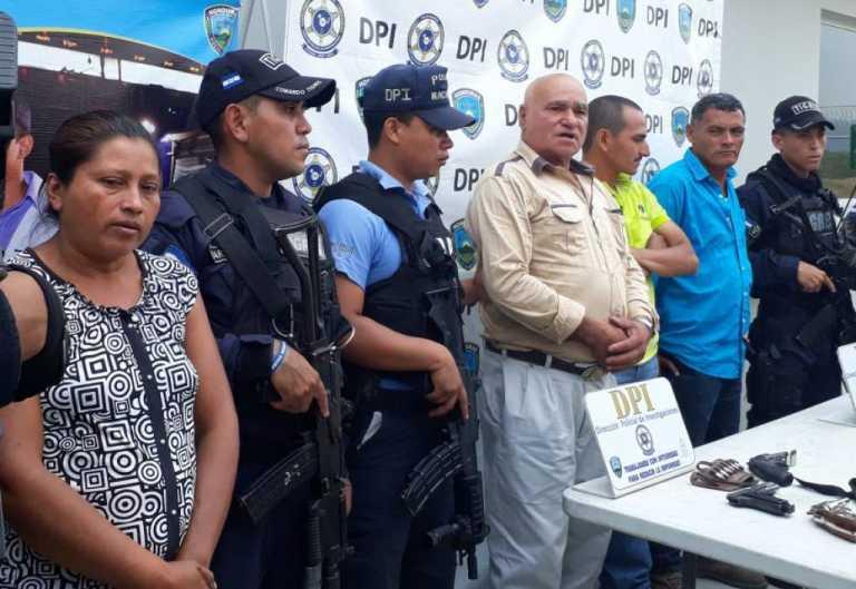 Detienen a presunto integrantes  de la banda «Los García» en Santa Cruz